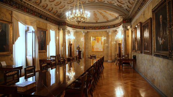 Valtioneuvoston linna presidentin esittelysali