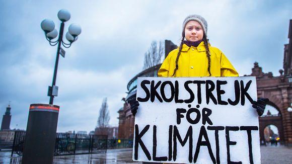Greta Thunberg Tukholmassa parlamenttitalon edustalla marraskuussa 2018.
