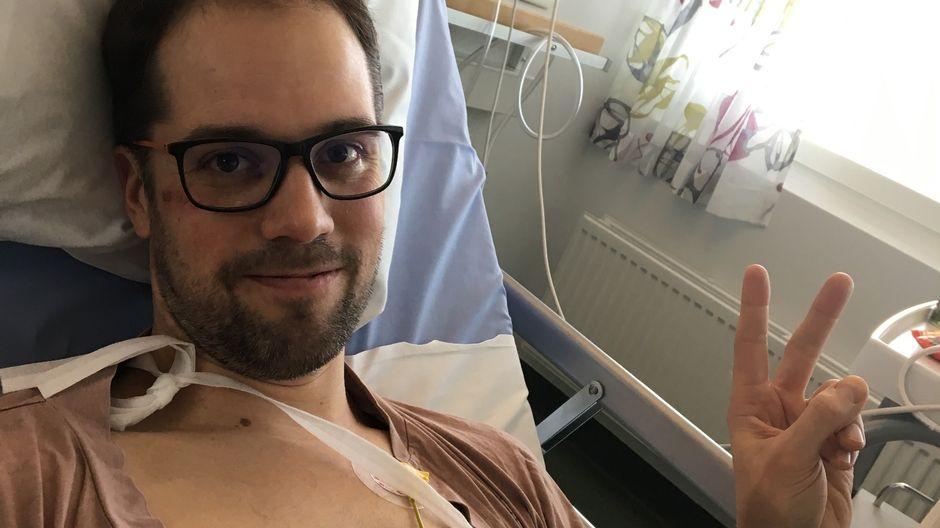 Tatu Vanninen lepää sairaalasängyllä.