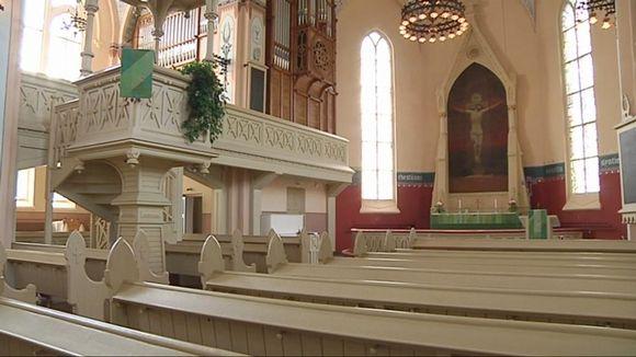 Joensuun evankelisluterilaisen kirkon sali.