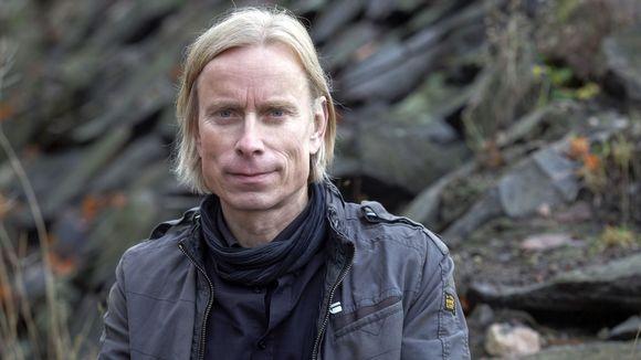 Runoilija Olli Heikkonen.