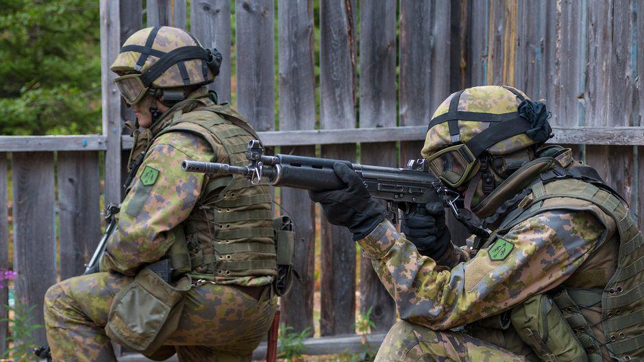 Puolustusvoimat valmiusjoukot armeija varusmies