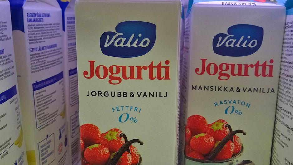Kirjoitusvirhe Valion jogurttipurkissa.