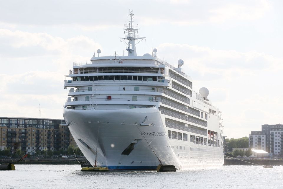 Αποτέλεσμα εικόνας για On Monday, cruise ships brought a record number of 11,000 visitors to Helsinki