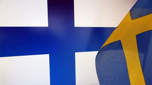 Suomen ja Ruotsin liput