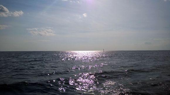 Perämeri ja auringon säteet