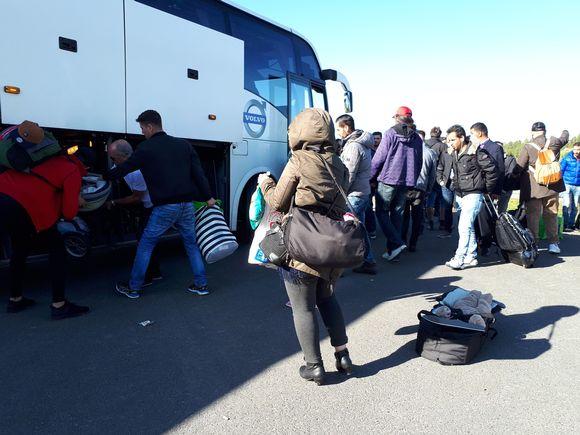 Turvapaikanhakijoita siirtyi Ruotsiin.