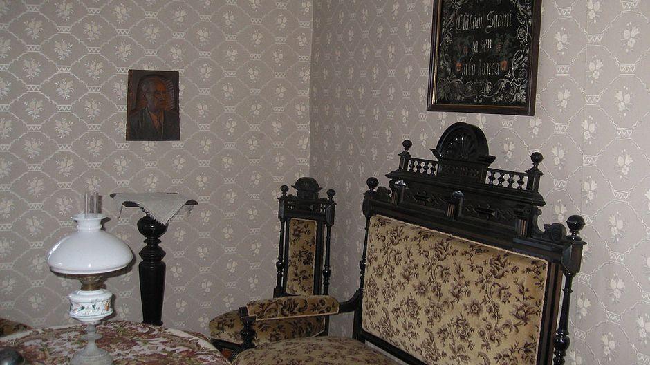 Oskari Tokoi -museon sisustusta Kannuksessa