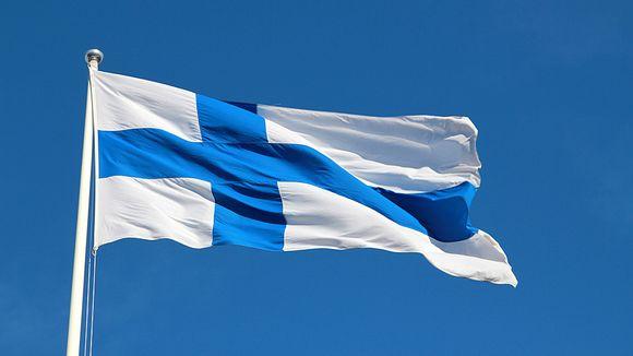 В Хельсинки подняли флаг в честь дня цыган   Yle Uutiset   yle.fi