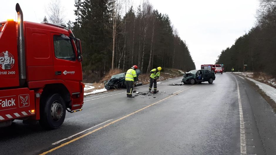 infant dies several hurt in western finland road accident