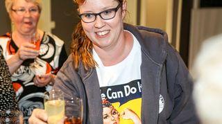 Vasemmistoliiton Merja Kyllönen juhlii läpimenoaan europarlamenttivaalien vaalivalvojaisissaan Suomussalmella, 25. toukokuuta 2014.