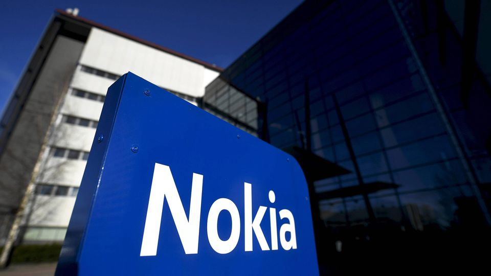 Patent payment boosts Nokia's quarterly results