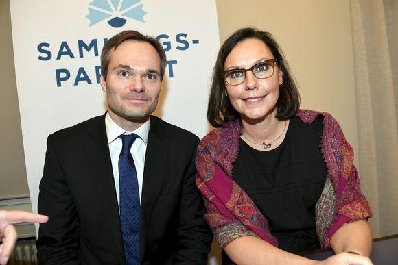 Kai Mykkänen (kok.) on valittu sisäministeriksi ja Anne-Mari Virolainen (kok.) hänen paikalleen ulkomaankauppaministeriksi kokoomuksen eduskuntaryhmän kokouksessa Helsingissä 6. helmikuuta.