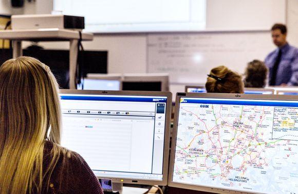 ERICA järjestelmän koulutusta Keravan hätäkeskuslaitoksen oppiluokassa.