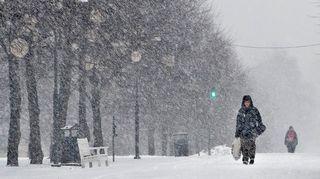 Lumisadetta Tampereen keskustassa.
