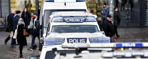 poliisiautoja