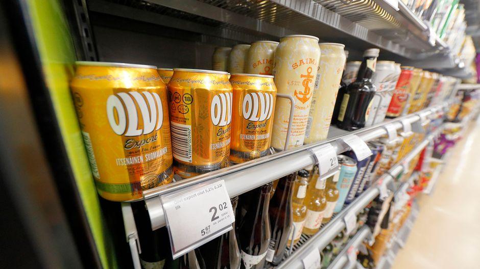 В магазинах Alko стали продавать значительно меньше пива и слабоалкогольных коктейлей lonkero ...