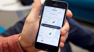 Uber-sovellus kännykän näytöllä.