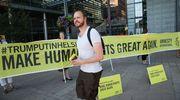 "Amnesty Internationalin mielenilmauksen banderolleissa luki ""Make Human Rights Great Again""."