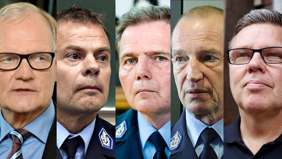 Police top brass on trial over informant register