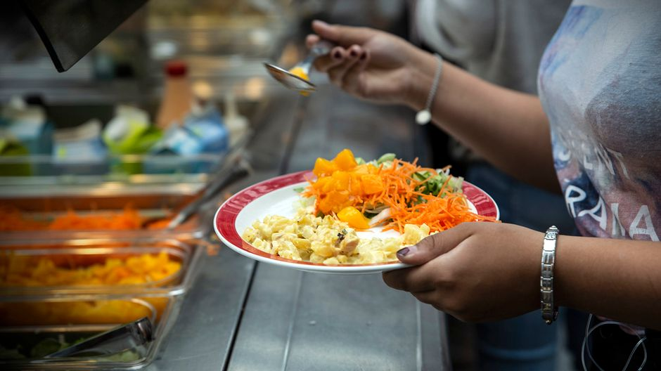 Up to 60 percent of schoolkids in Finland sometimes skip free school lunch   Yle Uutiset   yle.fi