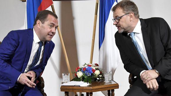 Pääministerit Dimitri Medvedev ja Juha Sipilä 26. syyskuuta.