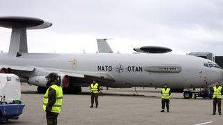 Sotilasliitto Naton E-3A AWACS ilmavalvonta- ja taistelunjohtokoneita Örlandin tukikohdassa Norjassa 31. lokakuuta.