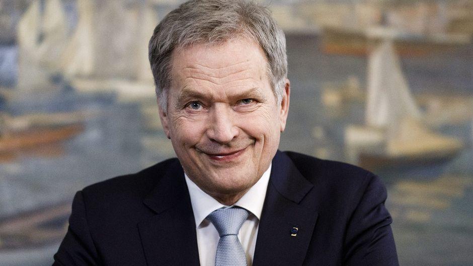 Presidentti Sauli Niinistö ennen presidentin perinteisen uudenvuodenpuheen nauhoitusta