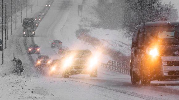 liikennettä talvisäässä