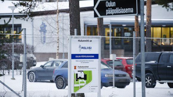 Pääpoliisiasema Oulun Hiukkavaarassa.