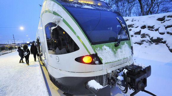 I-juna Helsingin rautatieasemalla.