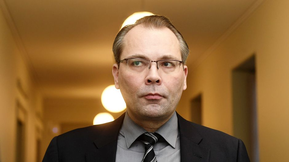 Defence Minister slams report on alleged atrocities committed by Finnish SS soldiers