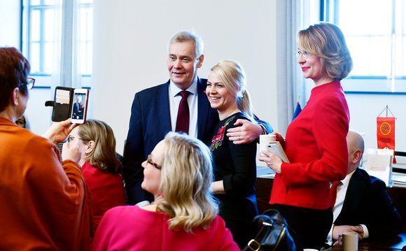 Antti Rinne ja SDP:n kansanedustajia