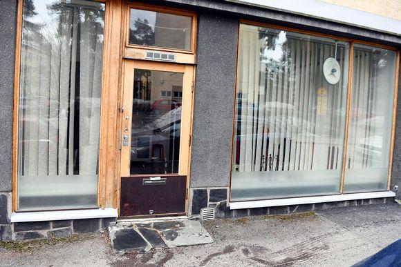 Helsingin Haagassa on poliisin mukaan puukotettu kahta aikuista ja aiheutettu vammoja kolmelle kouluikäiselle lapselle.