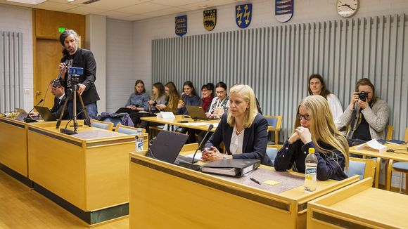 Junes Lokka, Martina Kronström ja Johanna Vehkoo Oulun käräjäoikeudessa