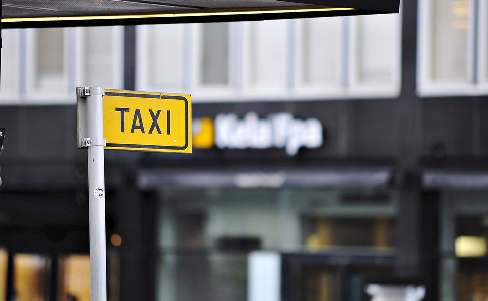 Survey: Some taxi customers feel less safe since