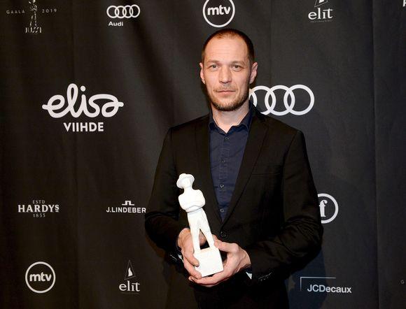 Tyhjiö-elokuvan ohjannut Aleksi Salmenperä palkittiin parhaan ohjauksen Jussilla Jussi-gaalassa Helsingissä 22. maaliskuuta.