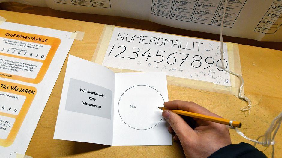 Äänestyslippu.
