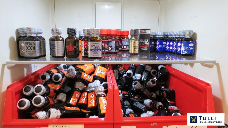 Poppers-tuotteita.