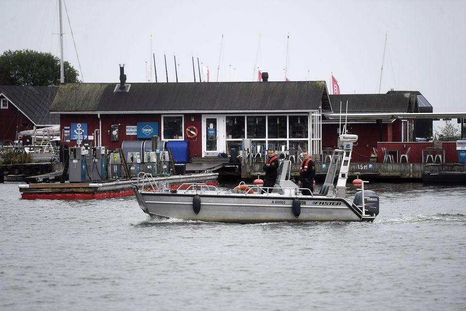 Police investigate oil leak in waters off Helsinki