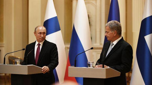 Presidentit Vladimir Putin ja Sauli Niinistö tiedotustilaisuudessa.