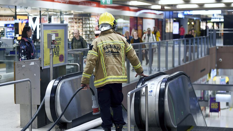 Helsinki metro returning to normal, central station remains closed