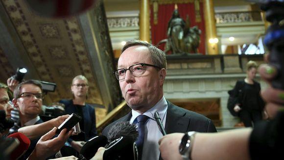 Valtiovarainministeri Mika Lintilä (kesk)