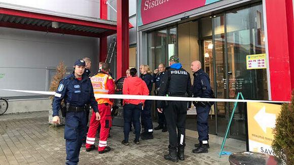Kauppakeskus Herman Kuopiossa on suljettu poliisin toimesta.