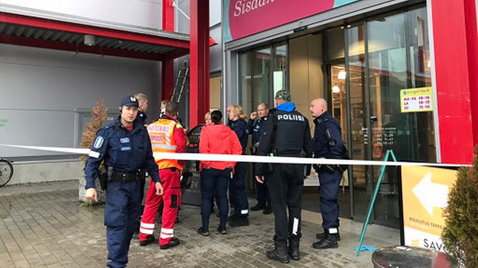 Man kills 1, wounds at least 9 at Finland shopping center