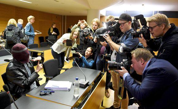 Helsingin käräjäoikeudessa alkoi torstaina Laajasalon ns. Enon seksuaalirikossyytteiden käsittely.