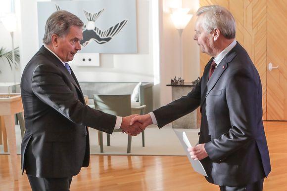 Pääministeri Antti Rinne (sd.) jätti eronpyynnön tasavallan presidentille.