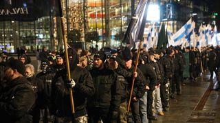 Soldiers of Odin -järjestön kulkue Kansalaistorilla Helsingissä itsenäisyyspäivänä 6. joulukuuta.