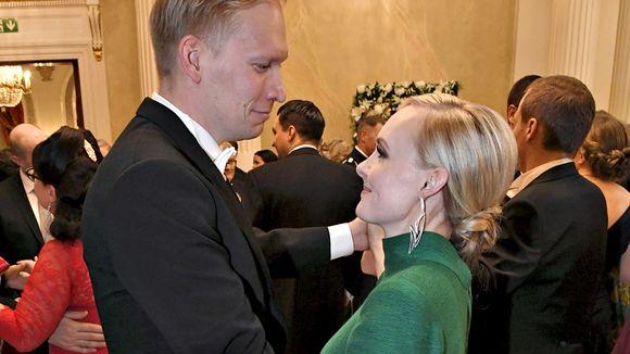 Maria Ohisalo ja puoliso Miika Johansson linnan juhlissa itsenäisyyspäivänä Helsingissä 6. joulukuuta 2019.