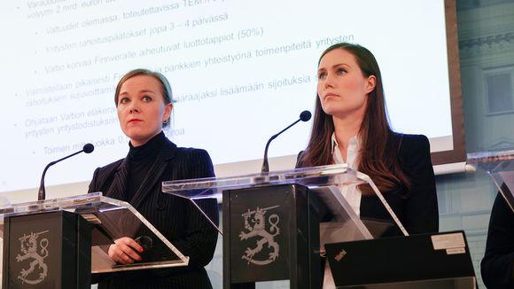 Katri Kulmuni ja Sanna Marin hallituksen infotilaisuudessa 16. maaliskuuta.